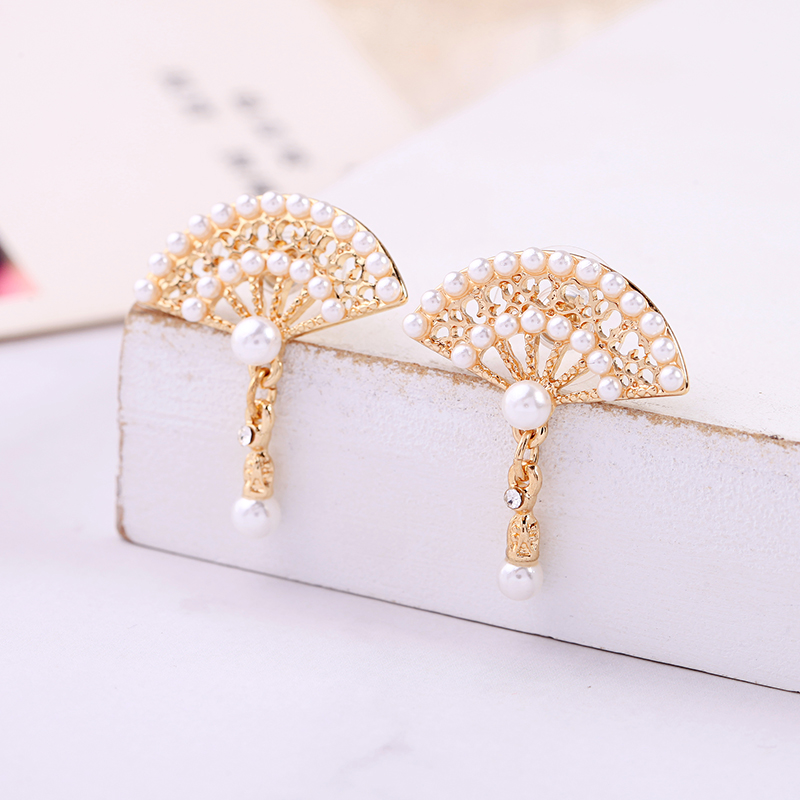 Chinese Ethnic Hollow Fanshaped Drop Earrings Gold Color Full Imitation Pearls Dangle Ancient Style For Women Fashion Jewelry