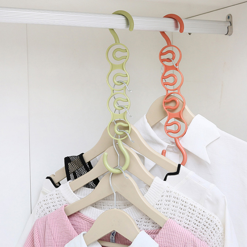 Four Circle Scarf Hangers Multifunction Clothes Hanger Saver Space Plastic Wardrobe Organizer Portable Clothes Drying Rack