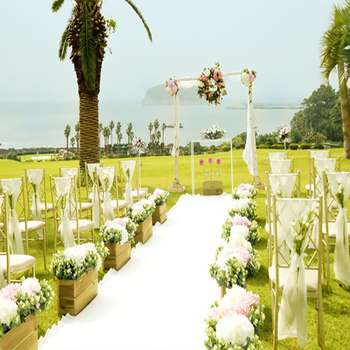 Białe ślubny ołtarz biegacze akcesoria białe do ozdobnych upięć podczas uroczystości dywaniki dywanowe krok powtarzaj wyświetlanie uroczystości i imprezy kryty tanie i dobre opinie Non-woven Fabrics White White Wedding Aisle Runners