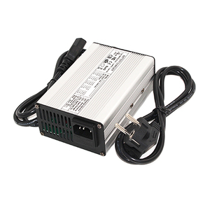 Image 2 - 58.8V 3A Charger 58.8V Li Ion Batterij Oplader Voor 14S 52V Li Ion Batterij E Bike Charger met Koelventilator Veiligheid Stabiel
