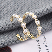 2019 Rushed Earings Aros Web Celebrity Accessories Korean Temperament Hollow Out Wavy Circle Earrings S925 Needle Allergy Pearl