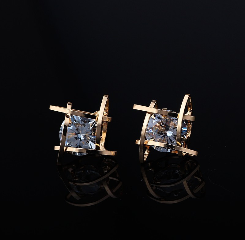Women's earrings 2019 Europe and the new jewelry geometric hollow square triangle zircon earrings fashion banquet jewelry