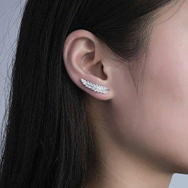 Huitan Trendy Luxury Leaf Stud Earrings For Women Romantic Accessories For Girls Micro Paved CZ Earrings Jewelry Wholesale