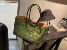 2019 senior designer brand woven large capacity leather woven handbag high quality woven bag