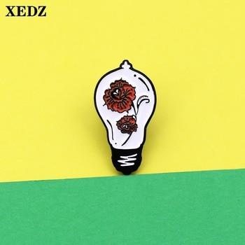 XEDZ retro bombilla esmalte pin rojo flor marca ilustraciones placa de metal estilo antiguo joyería solapa bolsa broche de ropa regalo a amigos
