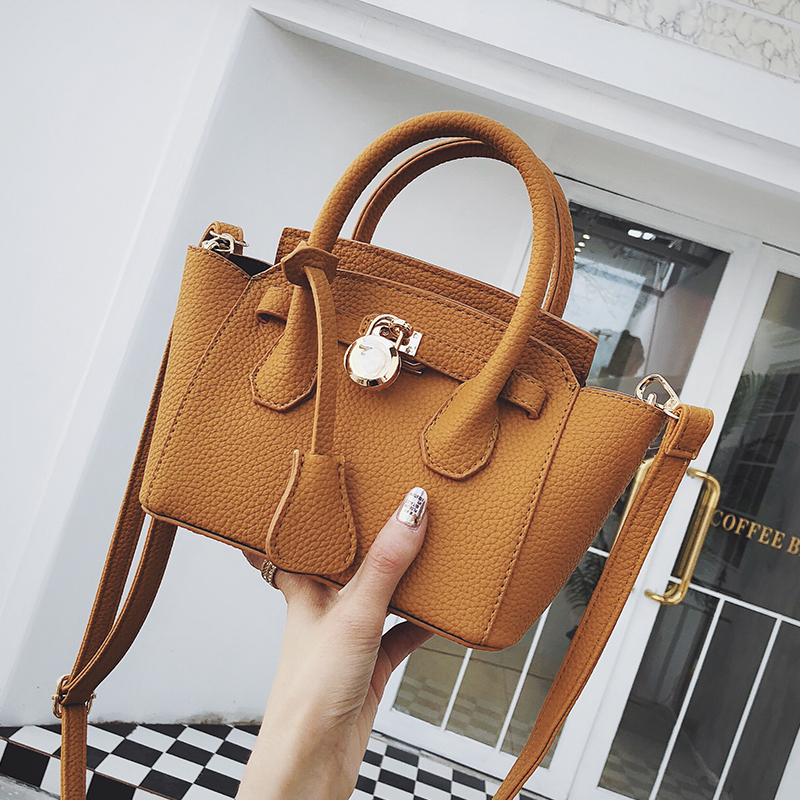 Casual Trapeze Women Crossbody Bags Designer Handbags Luxury Matte Pu Leather Shoulder Messenger Bag Chic Purses Lady Sac 2019