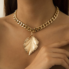 Fashion Vintage Geometric Feather Pendant Necklace Steampunk Simple Minimalist Clavicle Chain Choker Necklace Jewelry Gifts