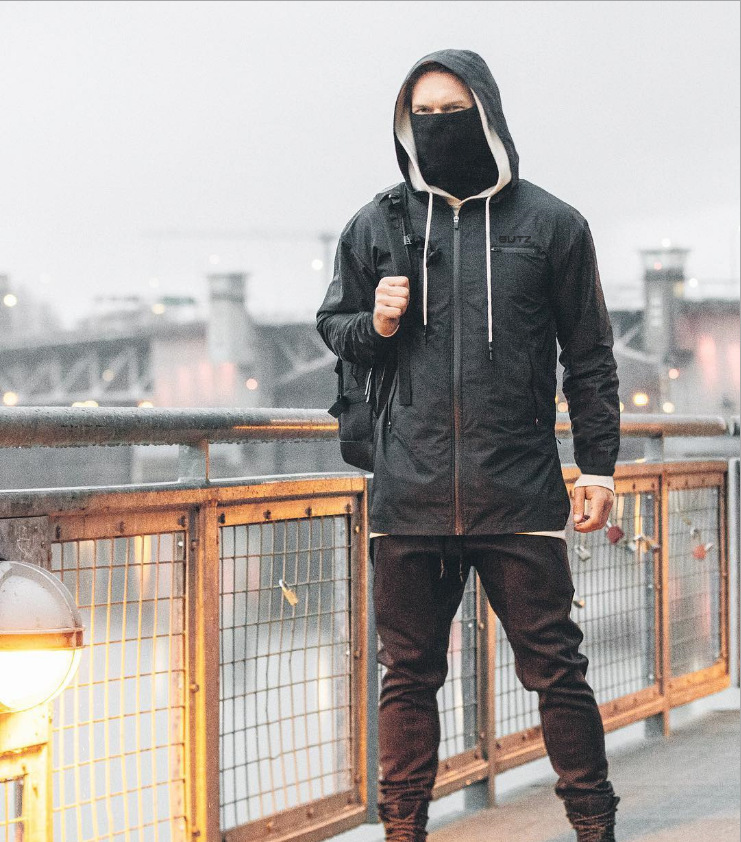 Muscle Fitness Brother Europe And The United States New Autumn And Winter Outdoor Windproof Single Layer Stormsuit Men's Mountai