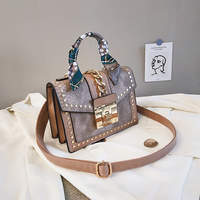 Women's Leather Wild Messenger Bag Fashion Rhombic Chain Tassel Organ Bags Designer