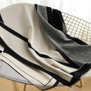Image 5 - 2020 luxe femmes hiver écharpe Tartan motif soie sentiment Modal cachemire châle Femme tricot laine couverture Pashmina dames Echarpe
