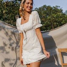 Simplee Holiday abito floreale bianco con ricamo floreale abito da donna con scollo quadrato manica a sbuffo mini abito con volant abiti a vita alta estate