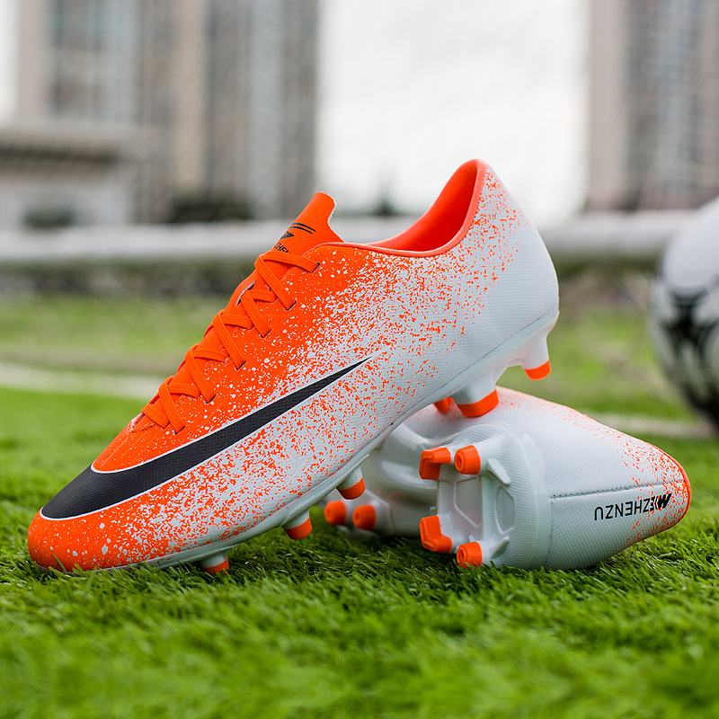 Football Shoes Long Nails Men's Rubber Wear-resistant Non-slip Running Shoes Sports Shoes Comfortable Men's Casual Shoes 35-44