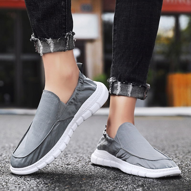 Casual canvas shoes men summer loafers slip on flat cheap male sneakers breathable shoes 2020 fashion