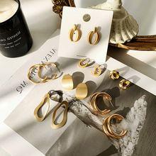 Женские металлические серьги простой золотой неровный геометрической