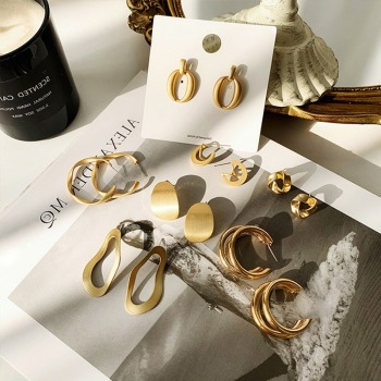 New Personality Style Simple Gold Irregular Geometric Fashion Metal Earrings For Female Accessories