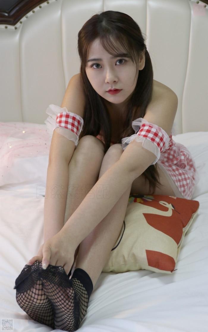 ⭐丝模写真⭐SiHua思话-苏羽SH048小姐姐换袜子[92P/2V/1.42G]插图