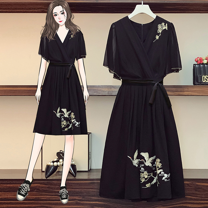Summer Women's embroidered black dress girls loose large waist slimming retro skirt Chinese wind embroidered dress 2021 new styl