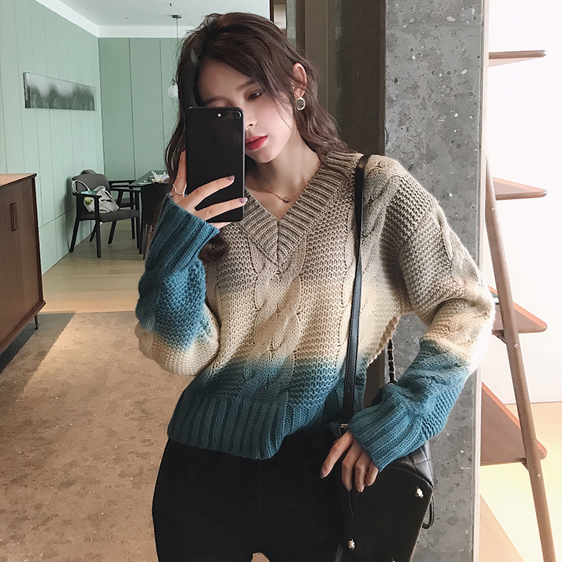 MISHOW Winter Multicolor Color Short Sweater Women Causal Vneck Long Sleeve Thick Knit Pullover Tops MX19D5556