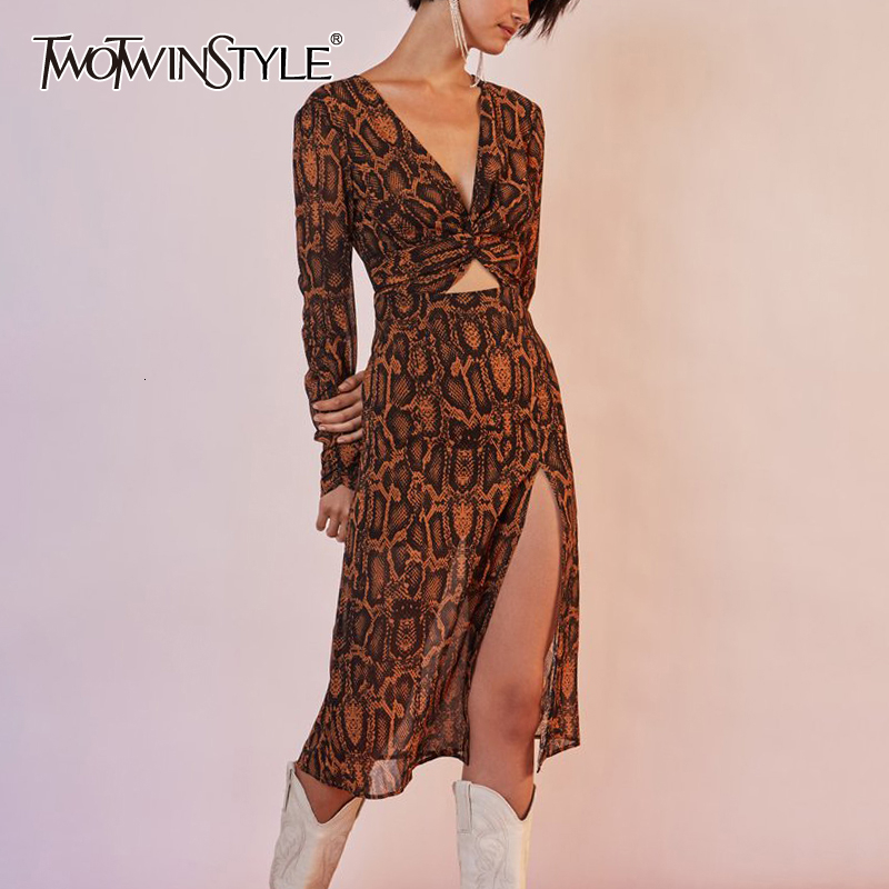 TWOTWINSTYLE Print Hit Color Women's Suits V Neck Long Sleeve Tunic Shirt High Waist Side Split Skirt Sexy Two Piece Sets Female