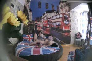 特色酒店倫敦主題房TP大屁股豐滿女友貌似很饑渴沒有得到滿足要自摸