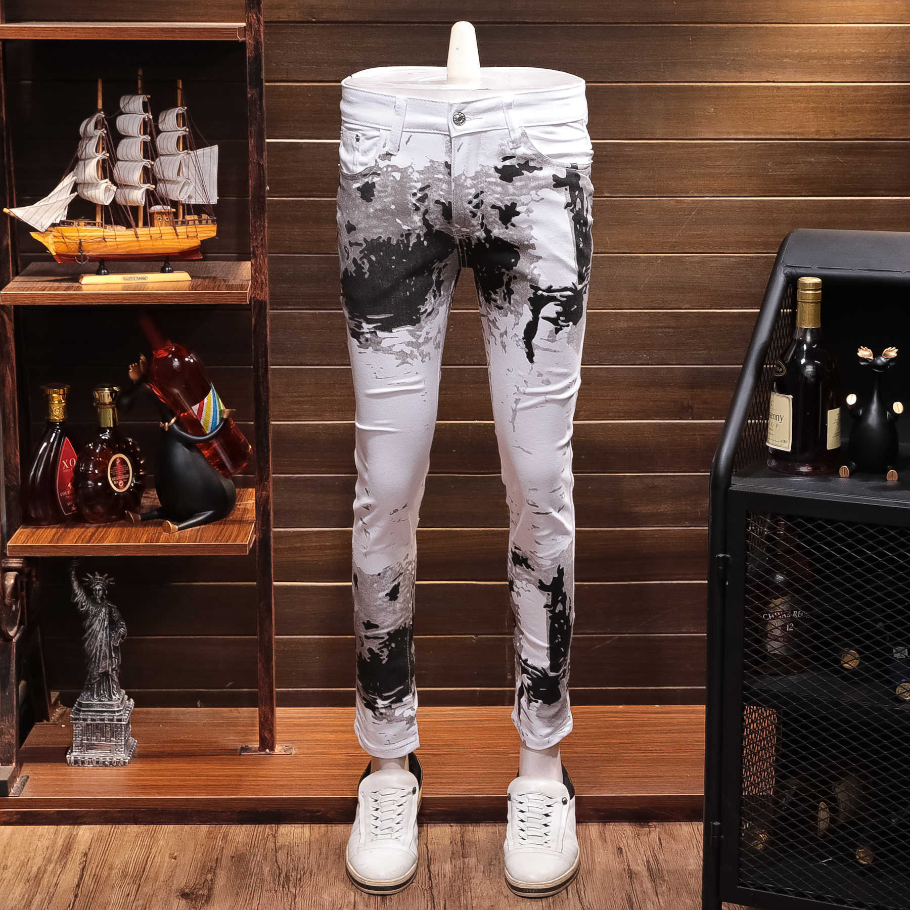 Autumn White Printing Leisure Time Jeans Man Directly Canister Self-cultivation Elastic Force Personality Long Pants Joker