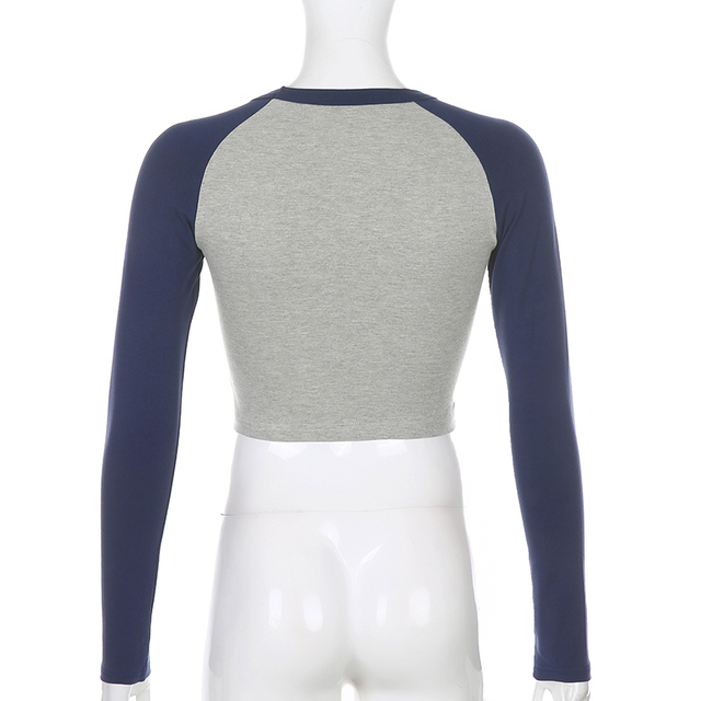 Crop top t-shirt with patchwork gray and blue