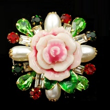 Vintage Rhinestone Leaf Pink Porcelain Rose Flower Brooch Imitated Pearl Red Green Stone Cluster china Rose Pins Costume Jewelry