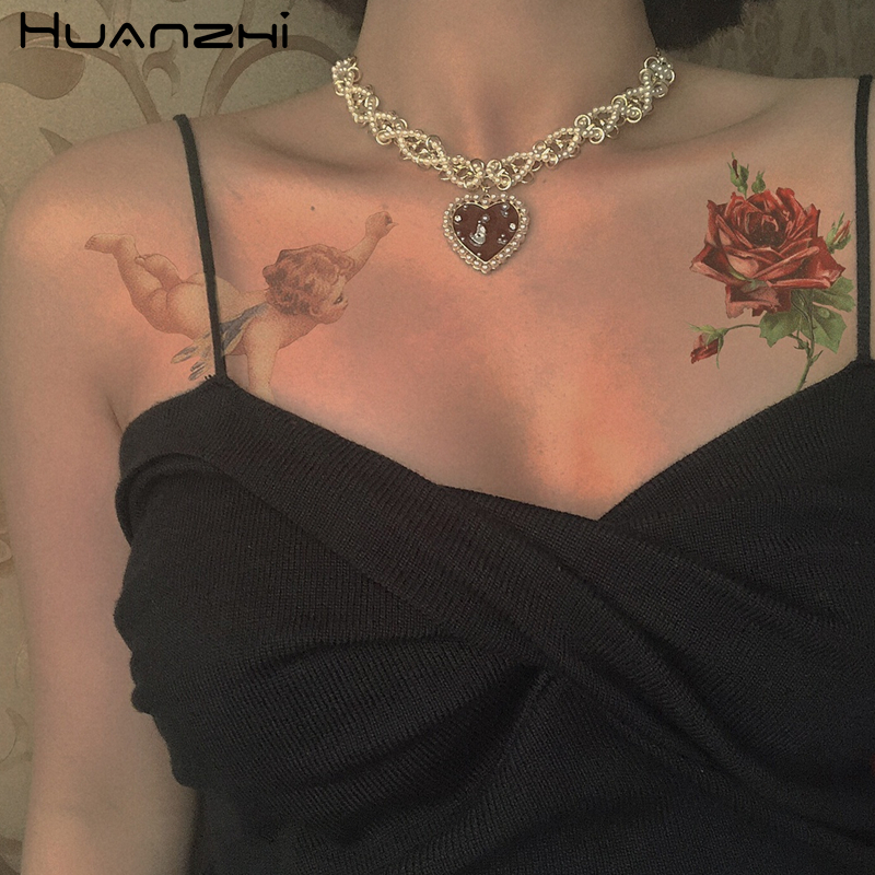 HUANZHI Vintage Romantic Choker Weave Pearls Red Love Heart Short Chain Rhinestone New Necklace for Women Girls Party Jewelry