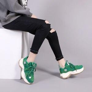 Image 2 - נשים של ירוק סניקרס אופנתי לנשימה ריצה נעלי שמנמן נעלי אבא עבה תחתון טריז עקב גבוהה נעליים יומיומיות