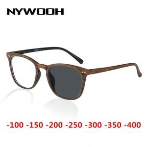 Image 1 - NYWOOH fotochromowe wykończone okulary dla osób z krótkowzrocznością kobiety mężczyźni imitacja drewna rama Student 1.56 soczewka asferyczna krótkowzroczne okulary
