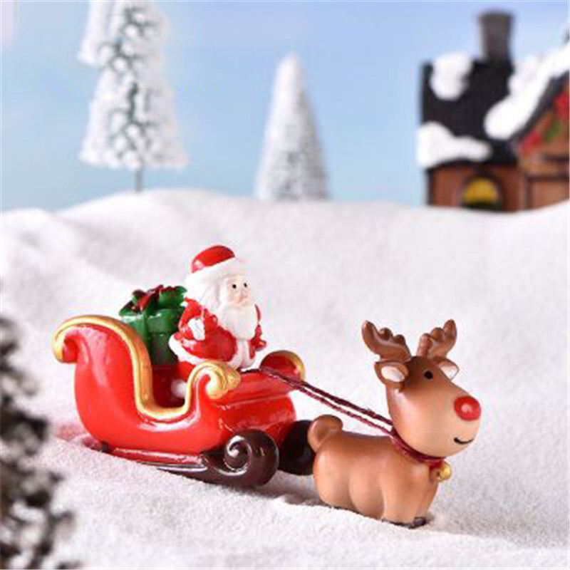 ZOCDOU 1 Piece Christmas Lovely Deer Sled Gift Car Small Statue Little Figurine Crafts Figure Ornament Miniatures Decoration