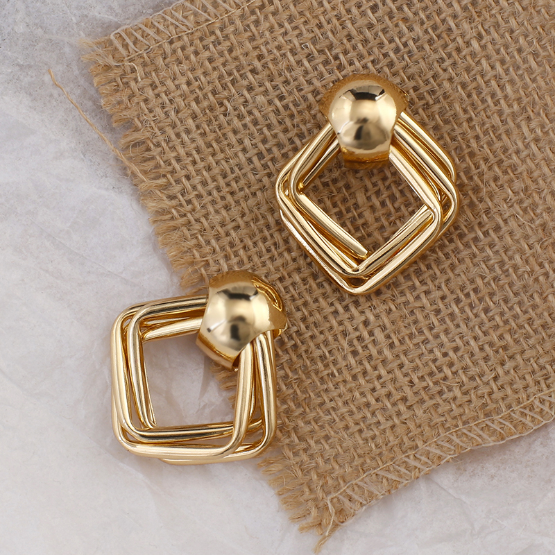 AENSOA Trendy Fashion Metal Elegant Drop Earrings For Women 2020 New Vintage Gold Color Korean Statement Earrings Accessories