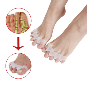 Image 1 - 1 çift/2 adet silikon halluks Valgus düzeltici ayak ayırıcı bunyon düzeltici ayak parmağı ayırıcı başparmak Spacer ayak serpme