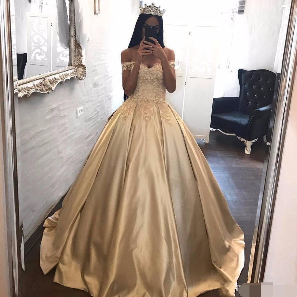 Light Gold Ball Gown Quinceanera Dresses 2019 vestidos robe de bal Sexy Off the Shoulder Lace Applique Floor Length prom dresses