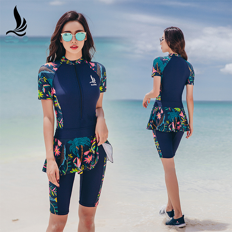 <font><b>One</b></font>-<font><b>piece</b></font> <font><b>swimsuit</b></font> women's shorts sports large size <font><b>skirt</b></font> <font><b>swimsuit</b></font> sexy thin section sports beach surf clothing short-sleeved image