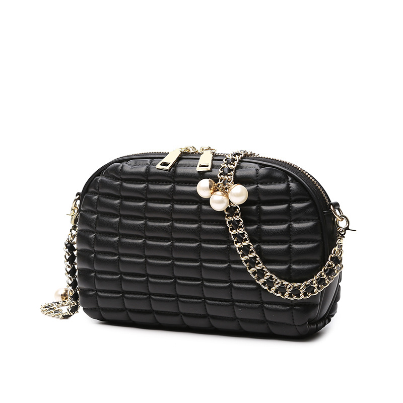 The New Women's Bag Diamond Chain Bag One Shoulder Slanted Cross-bag Fashion Shell Bag