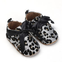 2020 Glitter baby Girls shoes First walkers Crib shoes Newborn Baby Sequins boot soft sole Leopard Baby lace-up bow shoes(China)