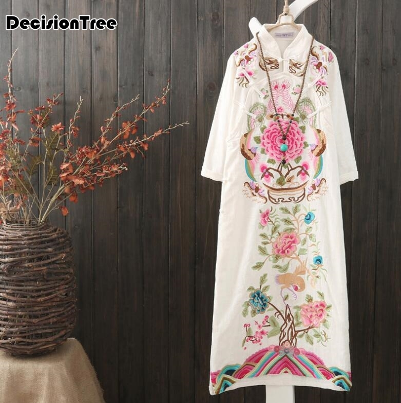 2020 Half Sleeve Long Qipao Dress Vintage Chinese Style Restoring Cheongsam Dress Chinese Traditional Embroidery Dress