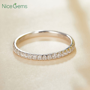 Image 4 - 14 585 ホワイトゴールド 0.25 ctw 薄型フランスパヴェセットモアッサナイトの結婚指輪ハーフ永遠と 20 個モアッサナイト石ウェディングバンド