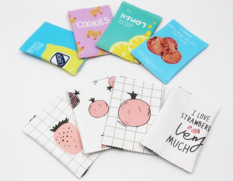 Male and female children's fun pu coin bag biscuit clutch bag mini simple girl bag coin zipper earphone bag keychain wallet