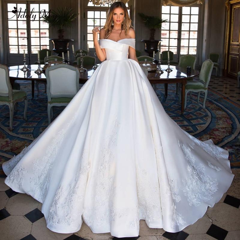 Adoly Mey Glamorous Appliques Matte Satin A-Line Wedding Dresses 2020 Elegant Boat Neck Zipper Up Vintage Bridal Gown Plus Size