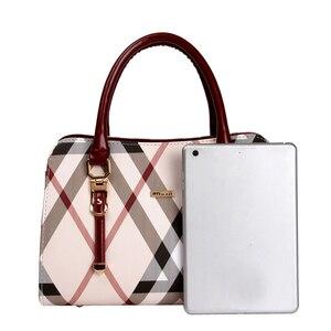 Image 4 - Tasche frauen Vintage PVC Leder England Stil Weibliche Handtasche Mode Kette Bolsa Feminina Casual Outdoor Frauen Taschen 2020