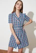 Trendyol – veste à carreaux arquée, robe à carreaux