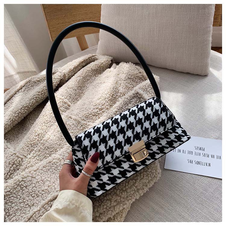 New Retro Striped Plaid Crossbody Bag Underarm Baguette Bag For Woman 2019 Ladies Chain Shoulder Slung Female Handbag And Purse