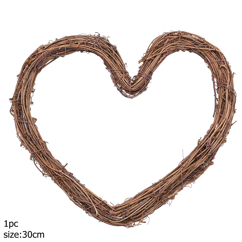 NEW giant wood heart bunting each heart is 30cm lovely wedding photography prop