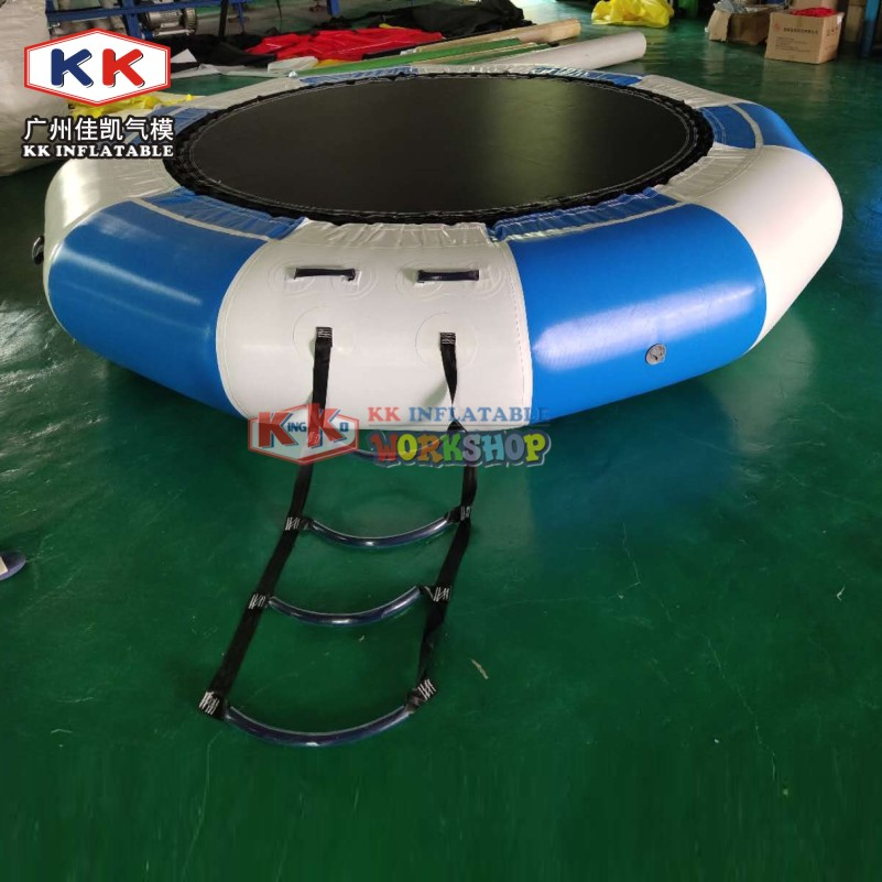 Home Used 3m Dia Inflatable Water Trampoline / Water Toys For The Lake / Inflatable Water Games