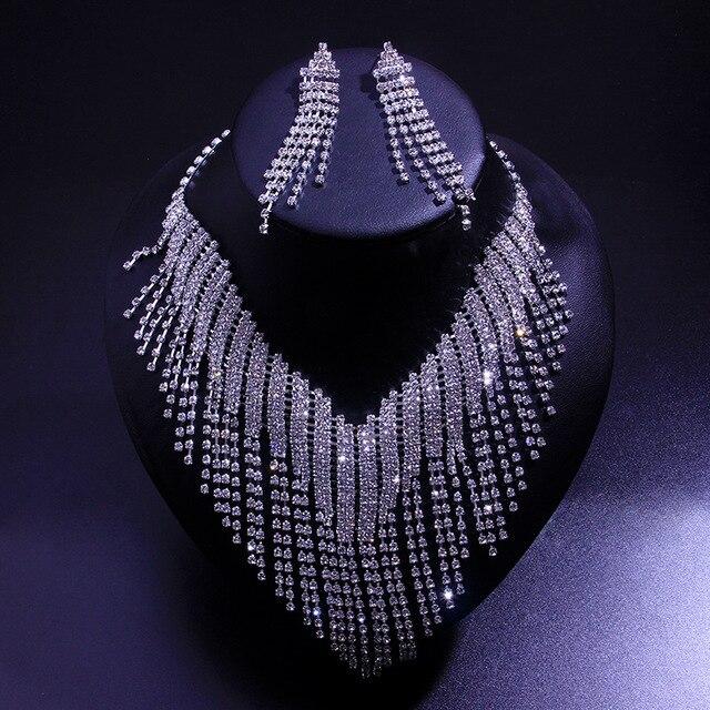 A moda conjunto de jóias de zircão redondo para 2021 é um conjunto de brincos e colar de jóias femininas 1