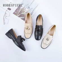 ROBESPIERE Autumn Women Brogue Shoes Genuine Leather Fringe Design Flats Classics Round Toe Low Heels Slip On Ladies Shoes A70 robespiere women pointed toe flats natural leather mixed colors ladies boat shoes 2019 autumn new slip on large size shoes a103