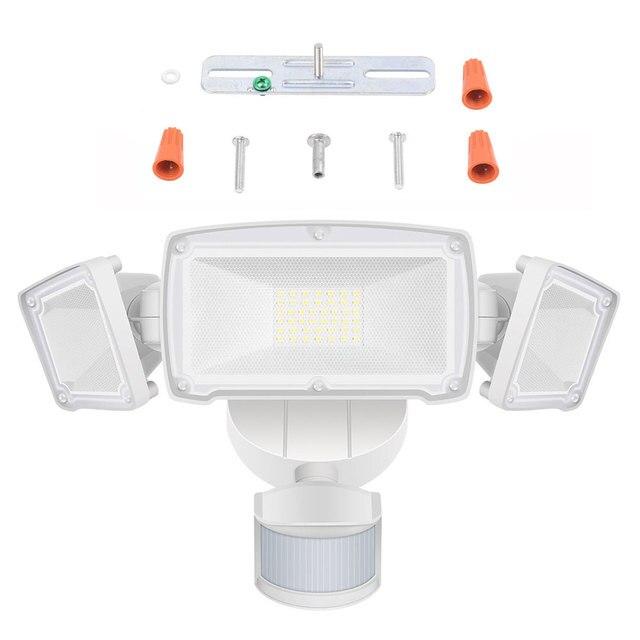 2019 neu 110v LED Triple Kopf Motion Sensor Aktiviert Outdoor Flutlicht Wetter-in Scheinwerfer aus Licht & Beleuchtung bei