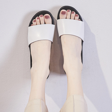 New 2020 solid women sandals summer slippers flip flops Genuine Leather flat sandals ladies slip on flats clogs shoes woman moxxy summer retro leather slippers women printing mules loafers slip on flat sandals black ladies shoes woman zapatos m